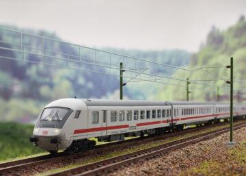 """TRIX 18851 <br/>IC-Steuerwagen """"IC 2013"""" 2"""